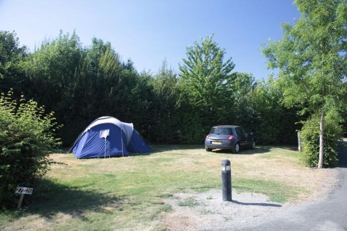 Emplacements de camping arborés