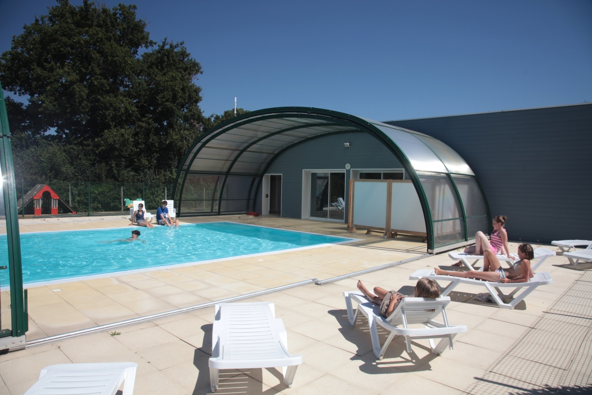 Camping avec piscine couverte et chauff e en vend e for Camping ile de noirmoutier avec piscine couverte