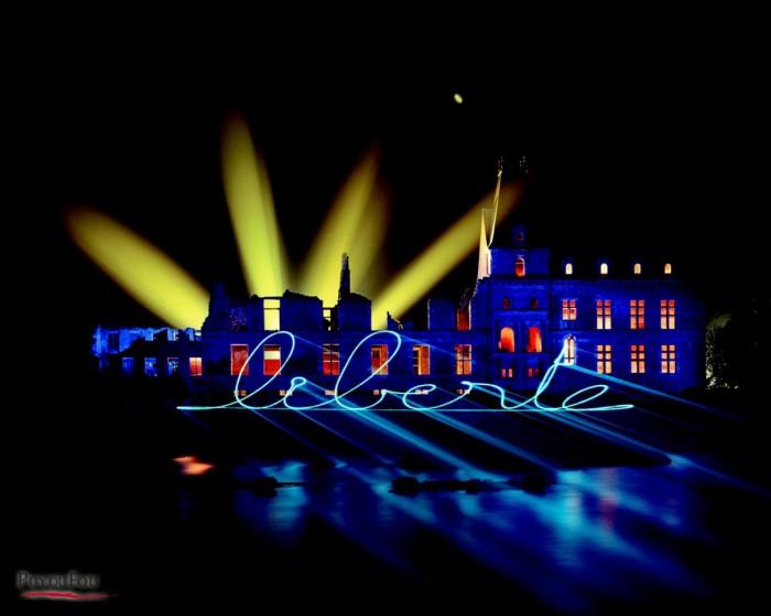 Spectacle de nuit la Cinescenie du Puy du Fou