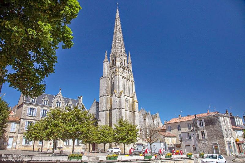 Eglise Notre Dame camping à proximité de Fontenay le Comte