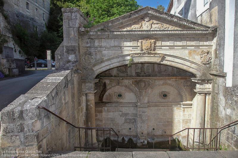 La Fontaine du Tias camping proche de Fontenay le Comte