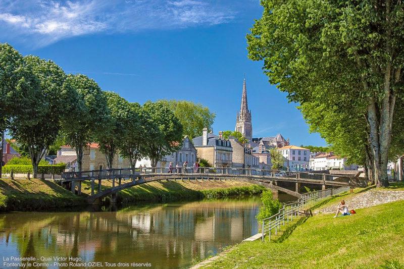 La Passerelle du Quai Victor camping près de Fontenay le Comte