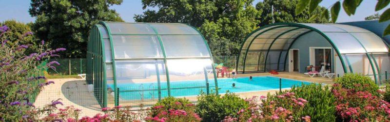La piscine couverte chauffée du camping