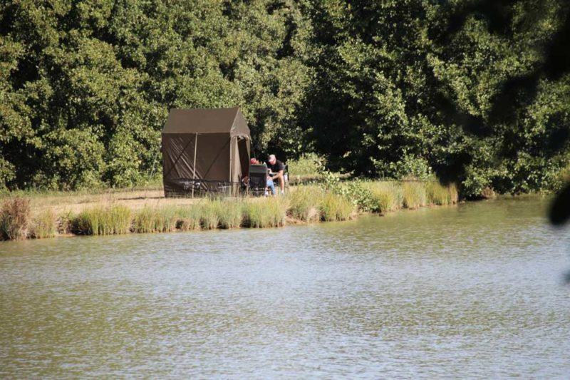 Camping avec pêche en étang privé
